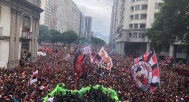 sem-entrar-em-campo-neste-domingo-o-flamengo-conquista-o-brasileirao-e-alcanca-a-triplice-coroa