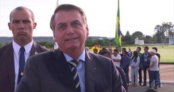 Senadores e deputados reagem à ofensa de Bolsonaro a repórter