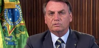 Bolsonaro pede na TV 'volta à normalidade' e fim do 'confinamento em massa' e diz que meios de comunicação espalharam 'p