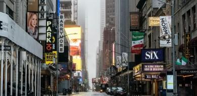 Nova York planeja reabrir escolas com ensino presencial e remoto