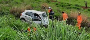 Motorista morre em batida entre dois carros BR-365 em Uberlândia