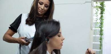 Entenda como escolher o melhor método de alisamento para cabelos