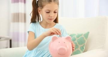 Dia das Crianças: dar mesada para os filhos é uma boa ideia?